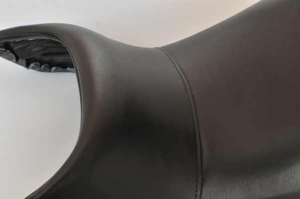 HONDA CX400 ホンダ  アンコ抜き ハイグレード黒 バイクシート張替え シート加工 seat