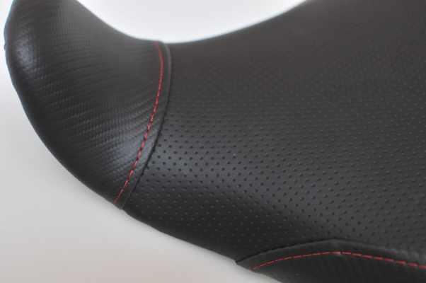 YAMAHA MT-07 MT07 ヤマハ ディンプル アメリカ製綾織カーボン 赤ステッチ  バイクシート張替え シート加工 seat