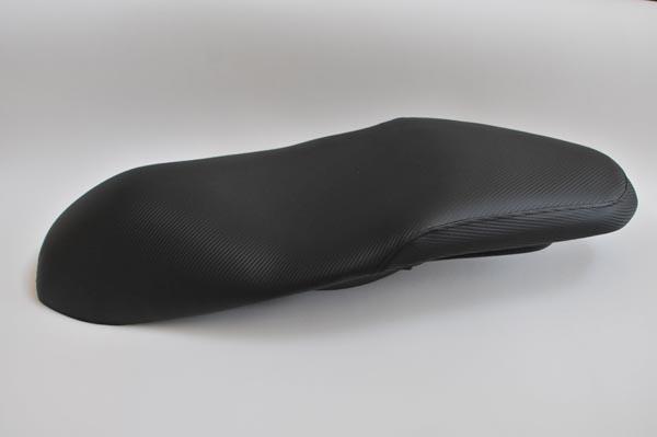 HONDA PCX 腰部盛り アメリカ製綾織カーボン  バイクシート張替え シート加工 seat