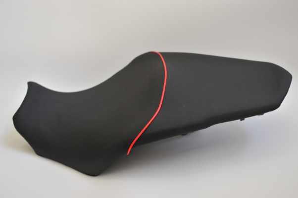 HONDA ホンダ  VFR1200F ディンプル・カーボン仕様 アンコ抜き  バイクシート張替え シート加工 seat