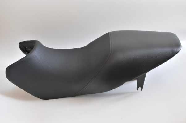 HONDA ホンダ VTR250 アンコ抜き タックロール  バイクシート張替え シート加工 seat