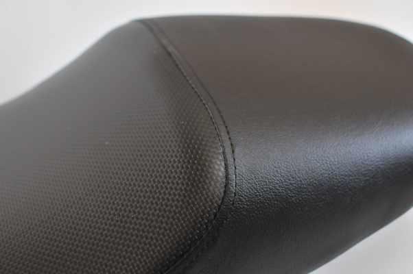ホンダ X11 アンコ抜き  バイクシート張替え シート加工 seat